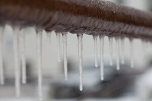icicles-dripping-from-pipe